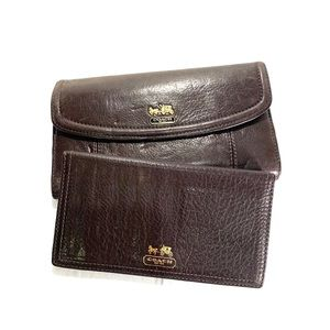 Vintage brown leather coach wallet and checkbook